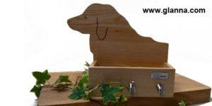 Designad hängare i trä till hundens koppel