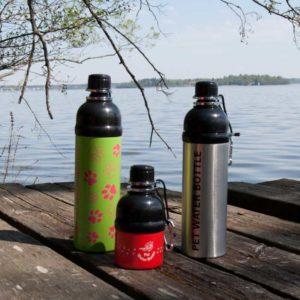 Vattenflaskor till hund